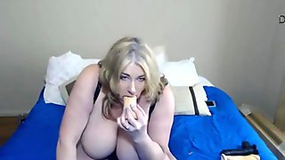 Dirty talking MILF Zoey Andrews beautiful ass and natural tits